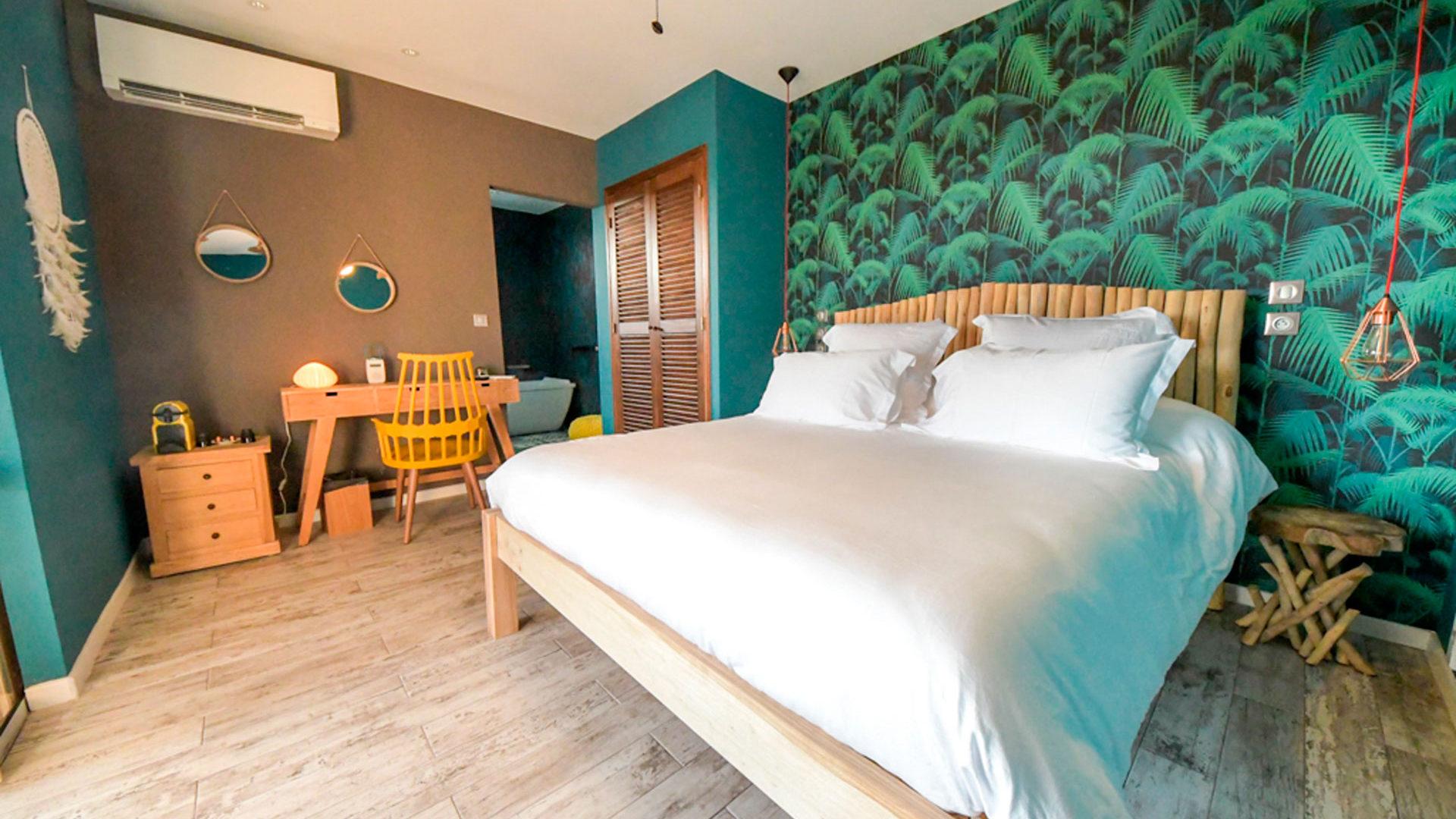 Barbuda suite maison cl mentine for Chambre 9m2 lit double
